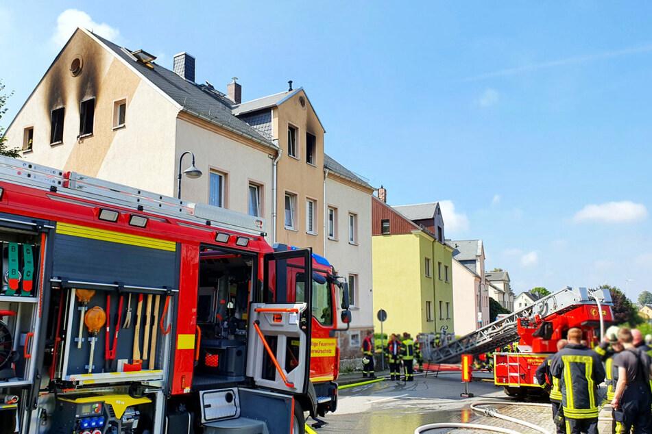 Im Obergeschoss eines Mehrfamilienhauses in der Unteren Hauptstraße in Lugau war am Donnerstag ein Feuer ausgebrochen.