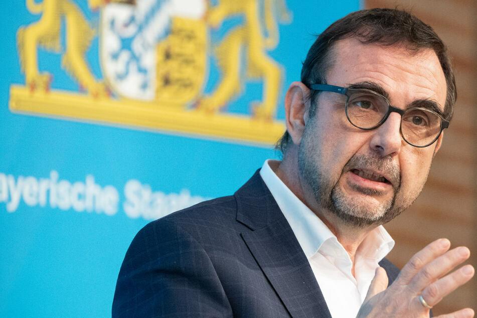 München: Naturheilkunde gegen Long-Covid? Klaus Holetschek wirbt für Kneipp-Therapie