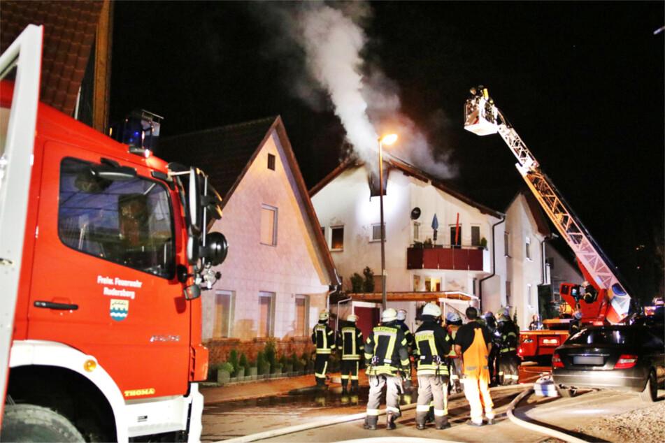 Dachstuhl brennt: 200.000 Euro Schaden!