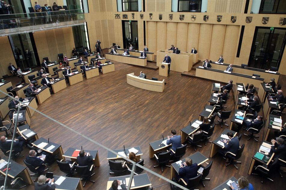 Bundes-Notbremse gilt ab Freitag: Bundesrat stimmt zu, Steinmeier unterschreibt!