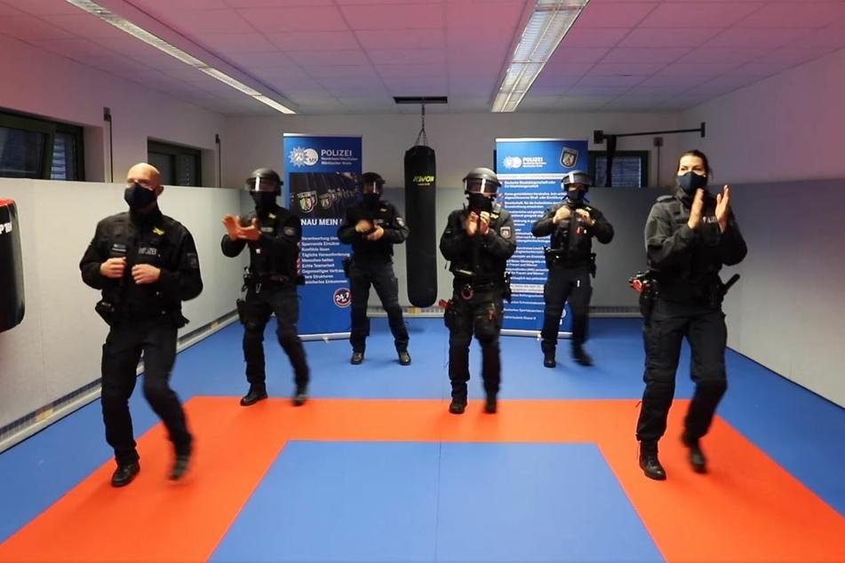 NRW-Polizei tanzt zu Pop-Musik: Land muss dafür stolze Summe blechen
