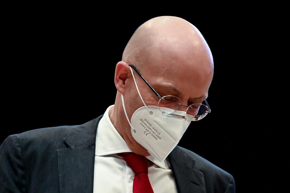 Nach der sogenannten Impfaffäre sind gegen Halles OB Wiegand (64) weitere Vorwürfe hinzugekommen.
