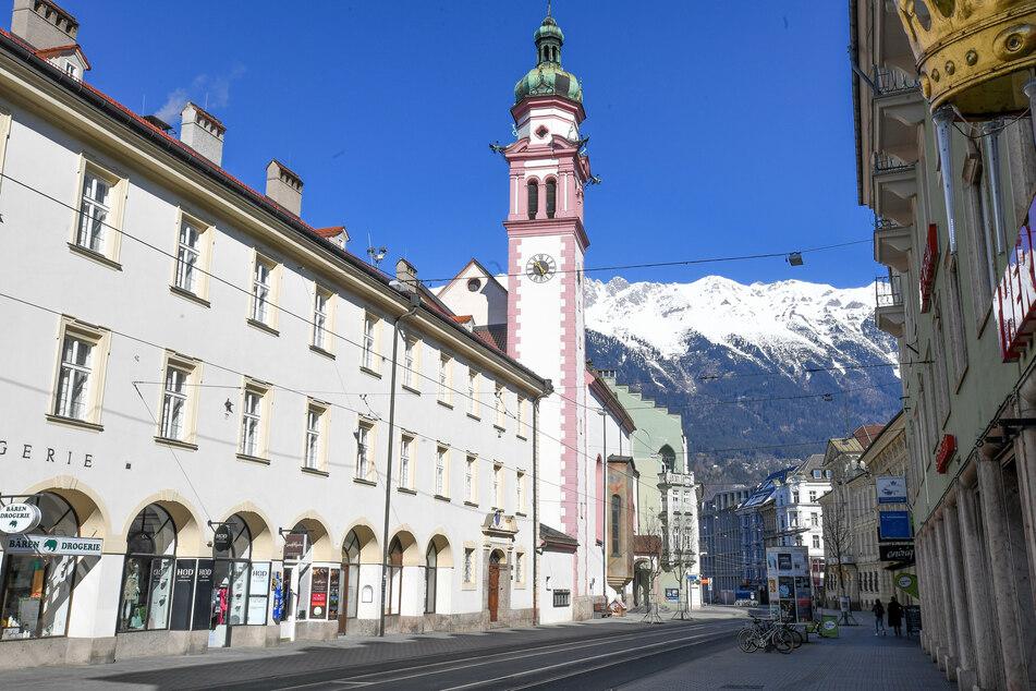 Unter anderem in Innsbruck steht die Corona-Ampel nun auf rot.