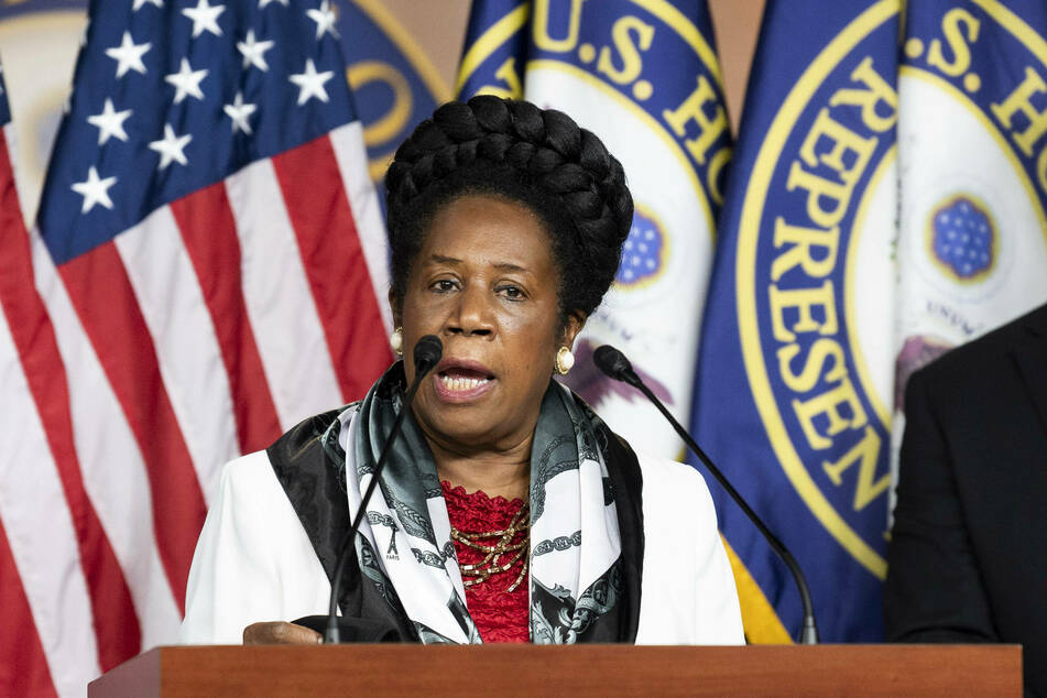 Representative Sheila Jackson Lee (TX-18) is the lead sponsor of HR 40, which was first introduced in 1989.