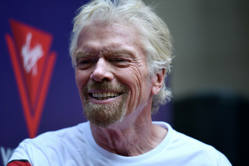Billionaire Sir Richard Branson (70) is the founder of the company Virgin Galactic, which wants to offer space tourism.