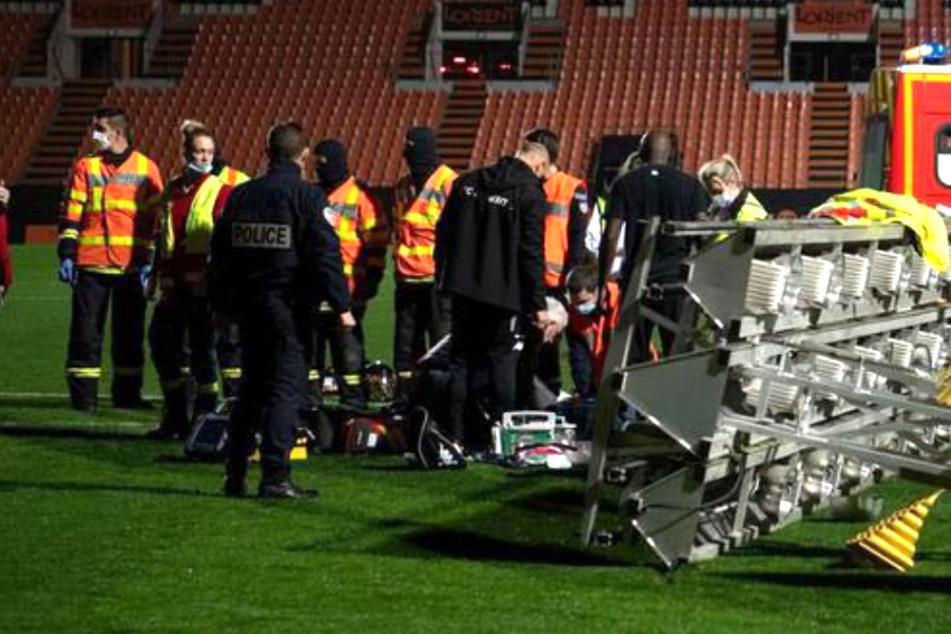 Tod im Stadion: Mann stirbt auf tragische Weise nach Fußballspiel