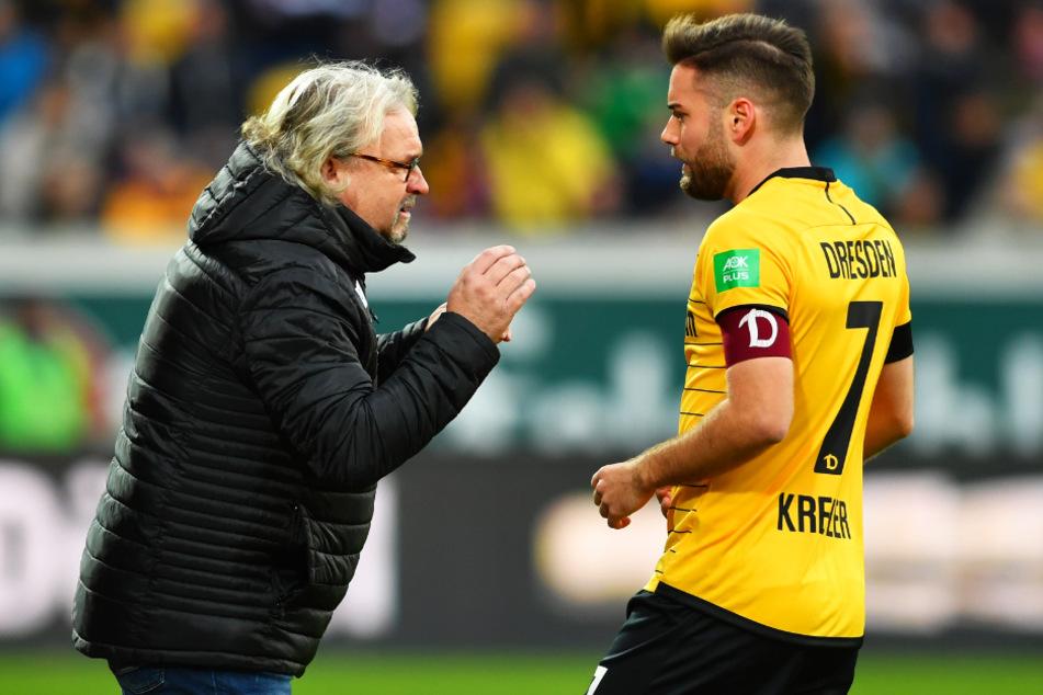 Die Dynamo-Trainer wie Heiko Scholz (55, l.) wissen, was sie von Niklas Kreuzer (27) erwarten können.