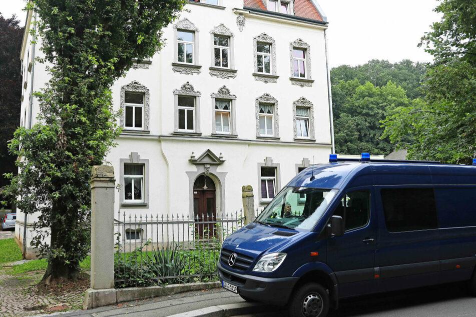 Der Tatort in der Turnhallenstraße wird vom LKA untersucht.