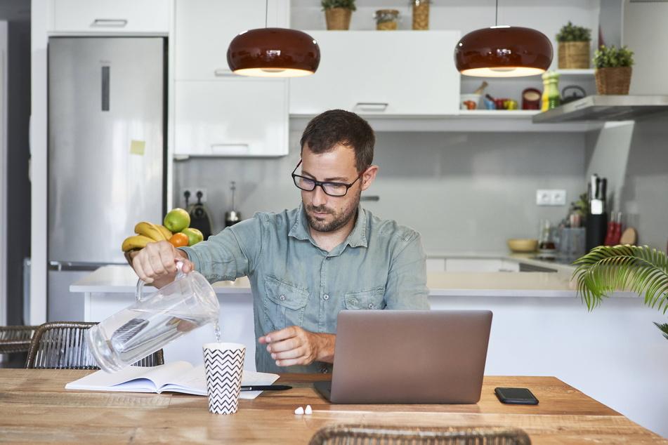 Das Home-Office führt für Arbeiter zu erhöhten Strom- und Wasserkosten.