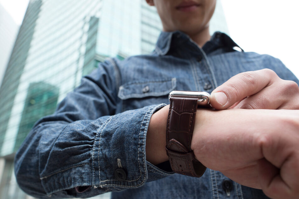 Connecticut crime ring used an Apple Watch to steal $500,000