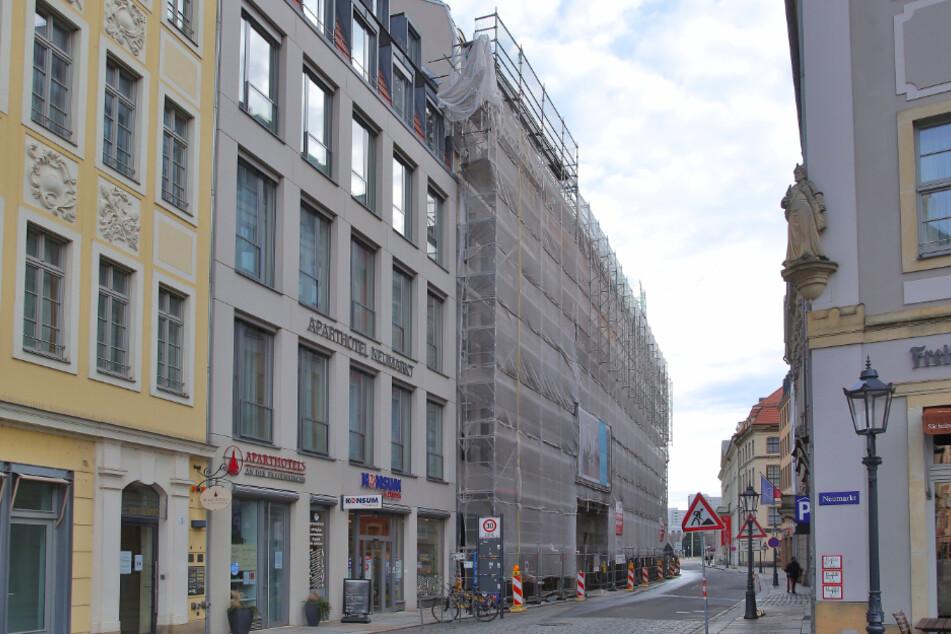 Das städtische Bauaufsichtsamt hat die Baustelle bereits im Visier.