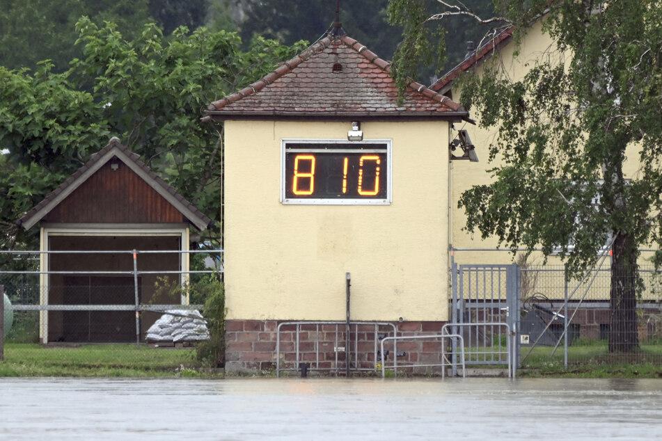 Am Mittwoch zeigte der Rheinpegel Maxau noch eine Höhe von 8,10 Metern an, am Samstagabend wurde der Scheitelwert erreicht.