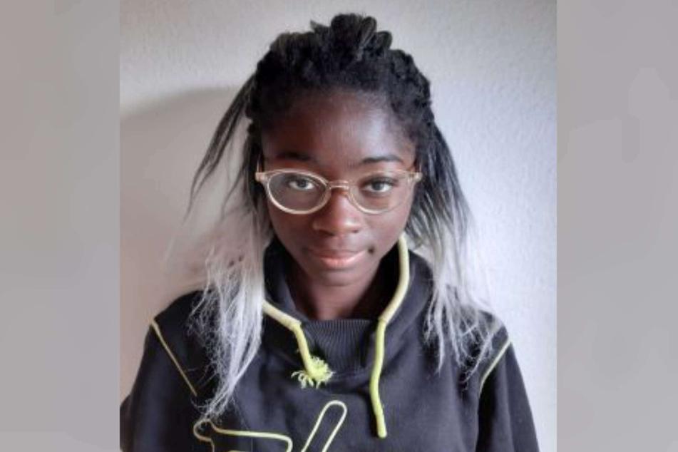 Lyza D. (14) wird seit Juni vermisst. Die Polizei bittet um Hinweise.