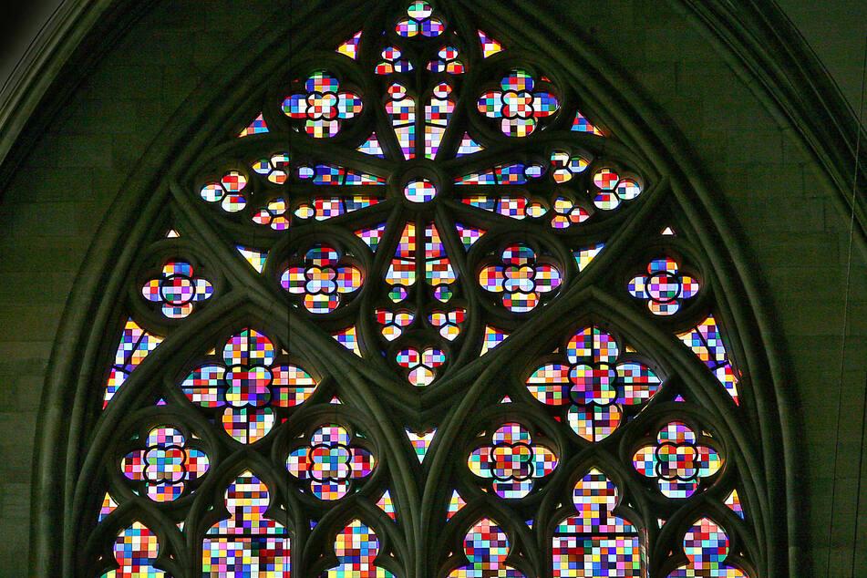 Das von Gerhard Richter gestaltete 113 Quadratmeter große Domfenster, aufgenommen am 25.08.2007 in Köln im Dom.