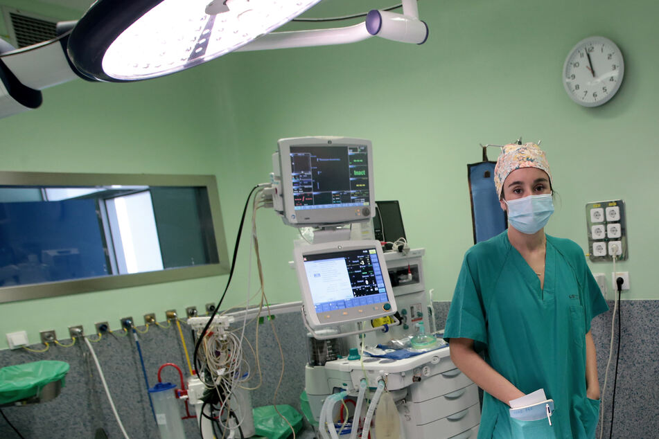 Die spanische Ärztin Cristina Marin Campos (32) erhält den mit 10.000 Euro dotierten Dresden-Preis für ihr Engagement in der Corona-Krise. Er wird ihr am 27. Juni in der Semperoper verliehen.