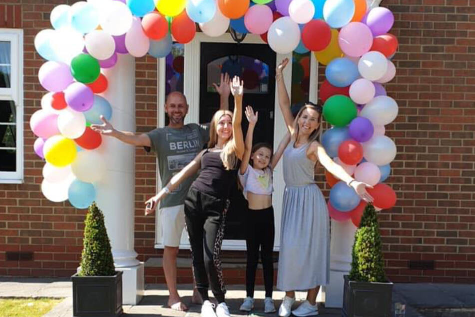 Ende Mai 2020 feierte die Familie das Ende der Chemotherapie von Amelia.