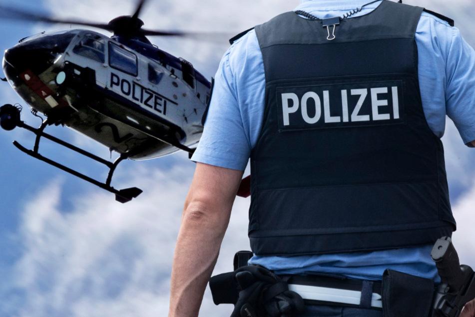 Die Polizei mobilisierte auch einen Hubschrauber für die Fahndung (Symbolbild).