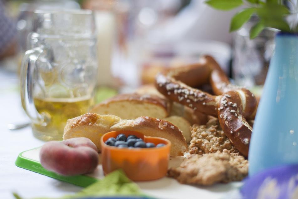Alles, was gut schmeckt, wird teurer - davor warnen bayerische Lebensmittel-Handwerker und die Brauereien. (Symbolbild)