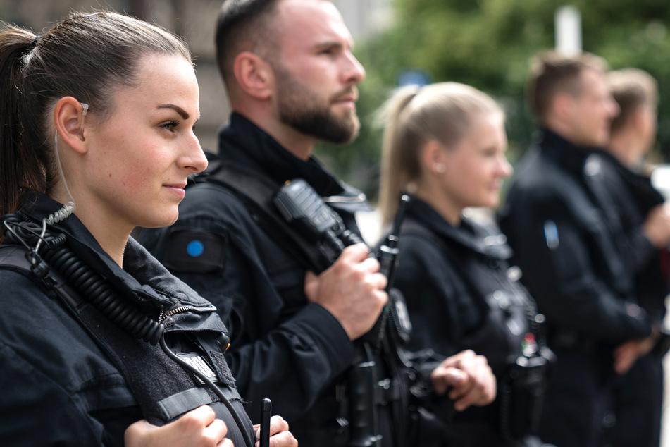 Ihr seid jung, motiviert, sportlich und clever? Dann kommt zur sächsischen Polizei.