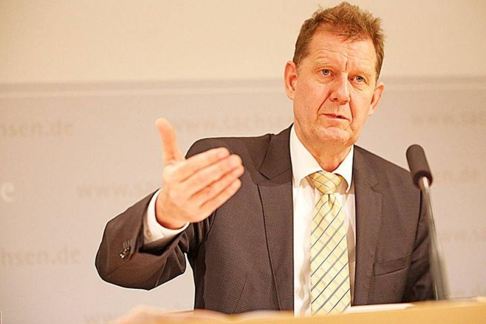 """Dieser Politiker ist Sachsens """"Mr. Asyl"""""""
