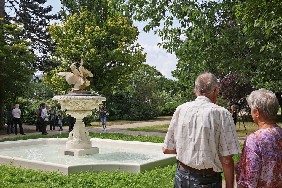 Bei einer Stadtführung lernt Ihr die Zwickauer Brunnen kennen.