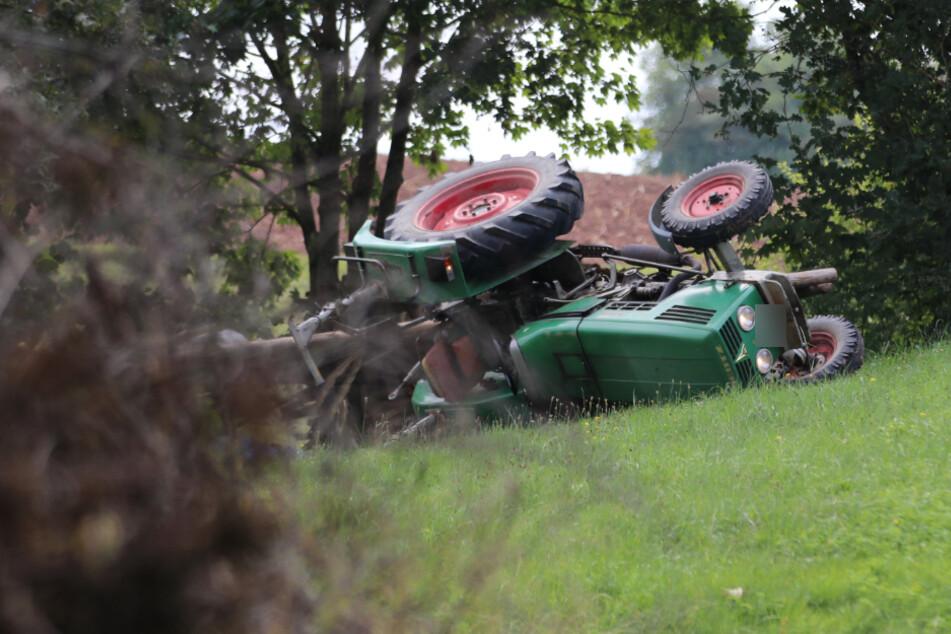 Tödlicher Traktor-Unfall: Mann verletzt sich am Kopf und stirbt
