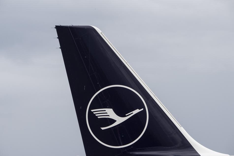 Die Lufthansa hat mit einer ersten Mitarbeitergruppe konkrete Spar-Vereinbarungen erreicht, mit denen die Corona-Krise überwunden werden soll.