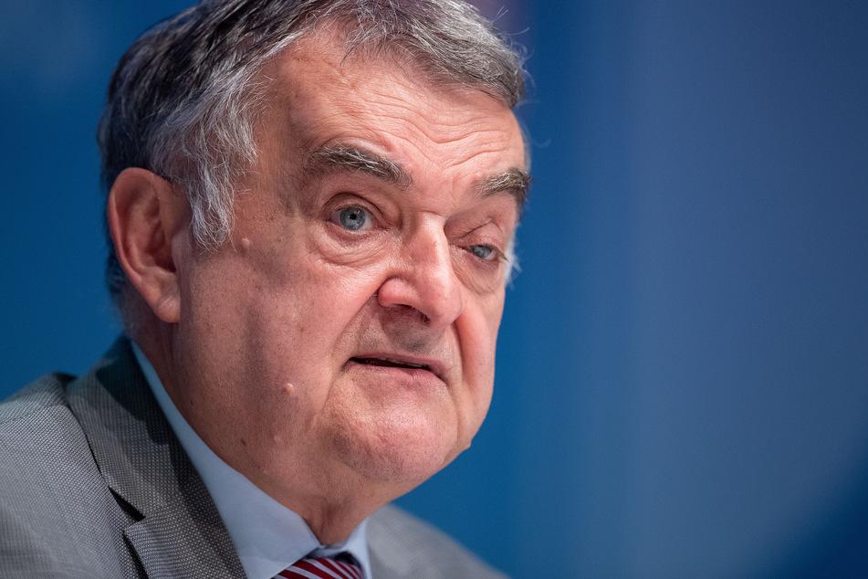 NRW-Innenminister Herbert Reul (CDU) sieht eine Mitverantwortung bei den Veranstaltern der Demonstration in Berlin.