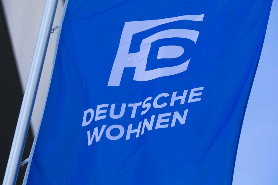 Berlins größter Vermieter, die Deutsche Wohnen, will nach dem Mietendeckel-Aus zwar nicht auf Nachzahlungen verzichten aber soziale Härten vermeiden.