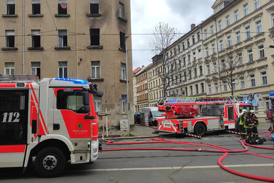 Im Leipziger Osten wurden beim Brand einer Wohnung am Donnerstagnachmittag mehrere Personen verletzt.