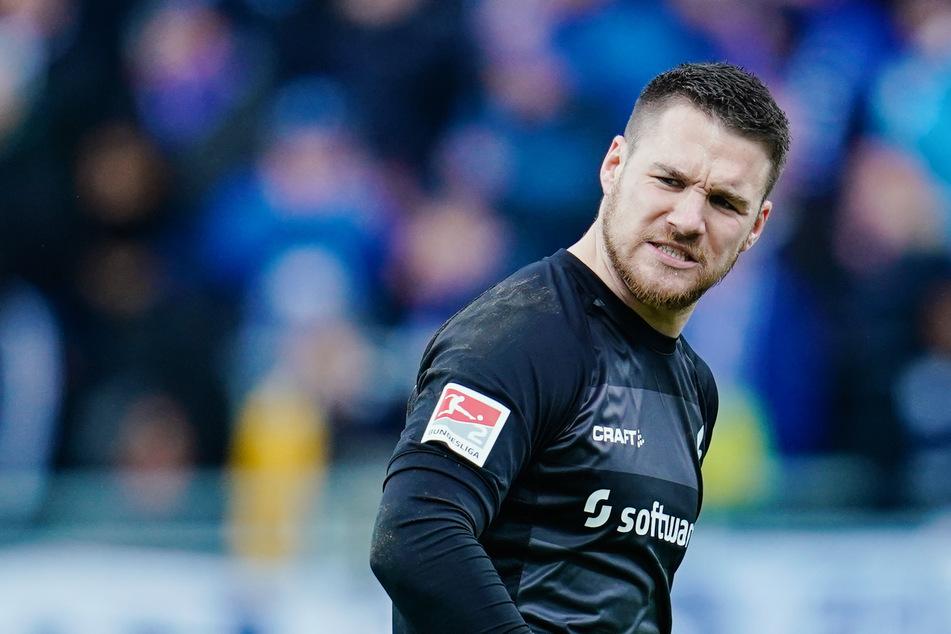 Auch Lilien-Keeper Marcel Schuhen hat, wie seine Teamkollegen, erstmal Sendepause. Der Spielbetrieb in der 2. Fußball-Bundesliga ruht.