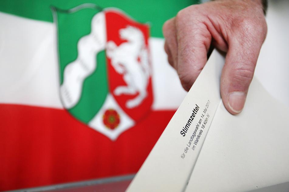 Bei der Landtagswahl im Mai 2017 war die CDU mit 33,0 Prozent als stärkste Kraft in den Landtag eingezogen, dicht gefolgt von der SPD (31,2 Prozent).