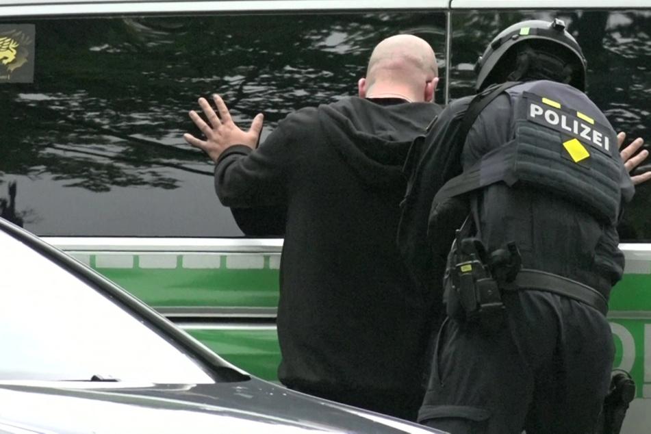 Drei Personen sind nach dem Vorfall in München festgenommen worden.