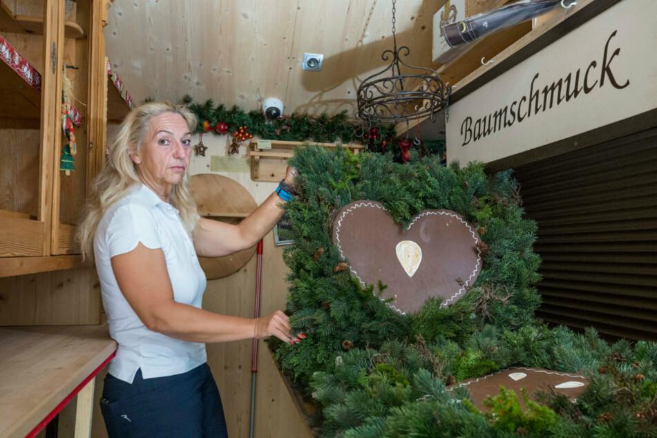 Katrin Weiß-Hantsche (52) wird 2020 keine Pulsnitzer Pfefferkuchen auf dem Chemnitzer Weihnachtsmarkt verkaufen. Zusatzkosten verhindern das.