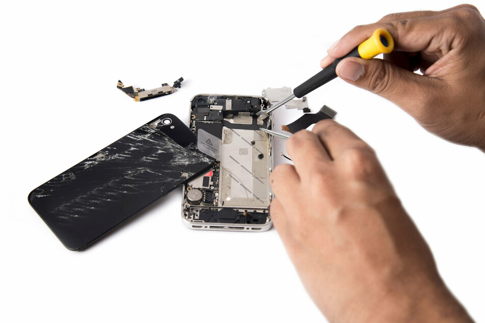FTC hits Big Tech with official right-to-repair policy