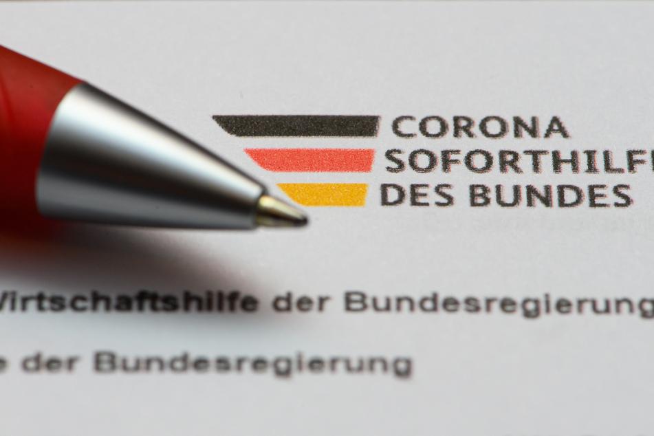 Verdacht auf Betrug mit Corona-Soforthilfe: Polizei durchsucht derzeit mehrere Wohnungen und Gewerbebetriebe im Rheinland. (Symbolfoto)