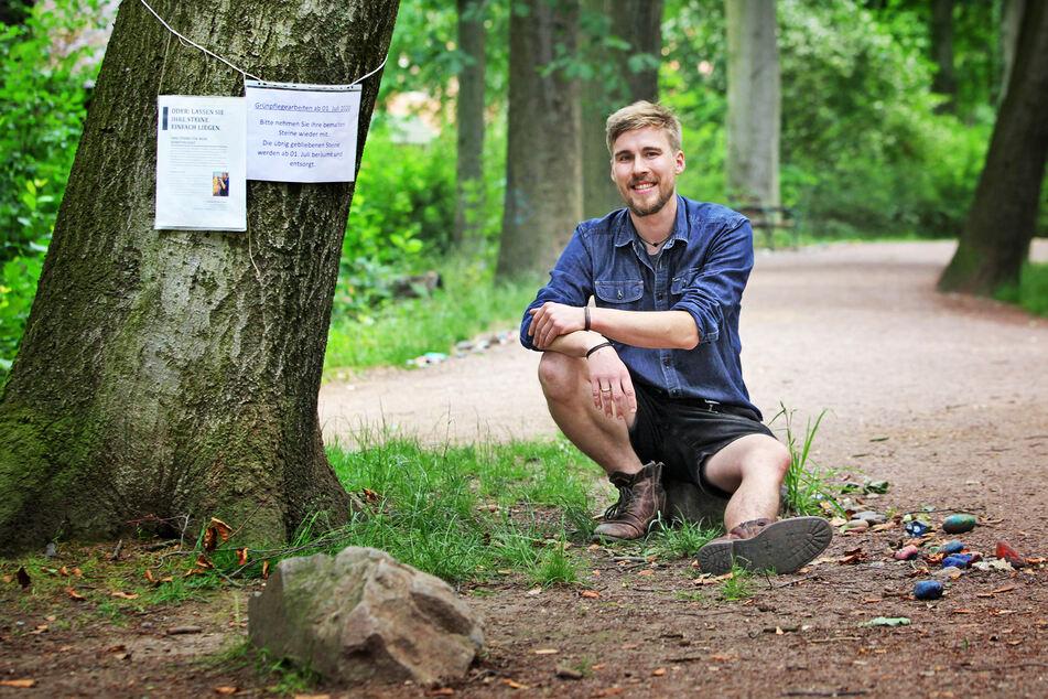 Holzkünstler Johann Kral (29) möchte die Steinschlange retten.
