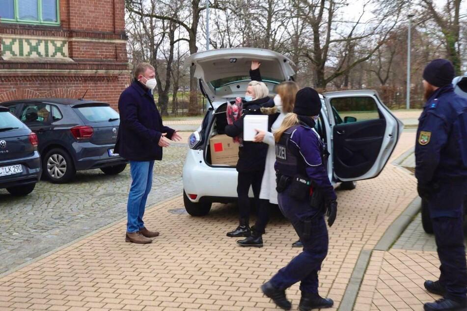 Der Corona-Impfstoff ist in Sachsen-Anhalt angekommen.