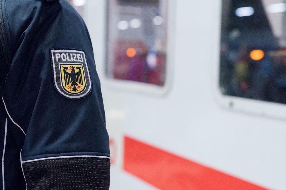 Mann wird im Zug kontrolliert und muss direkt ins Gefängnis