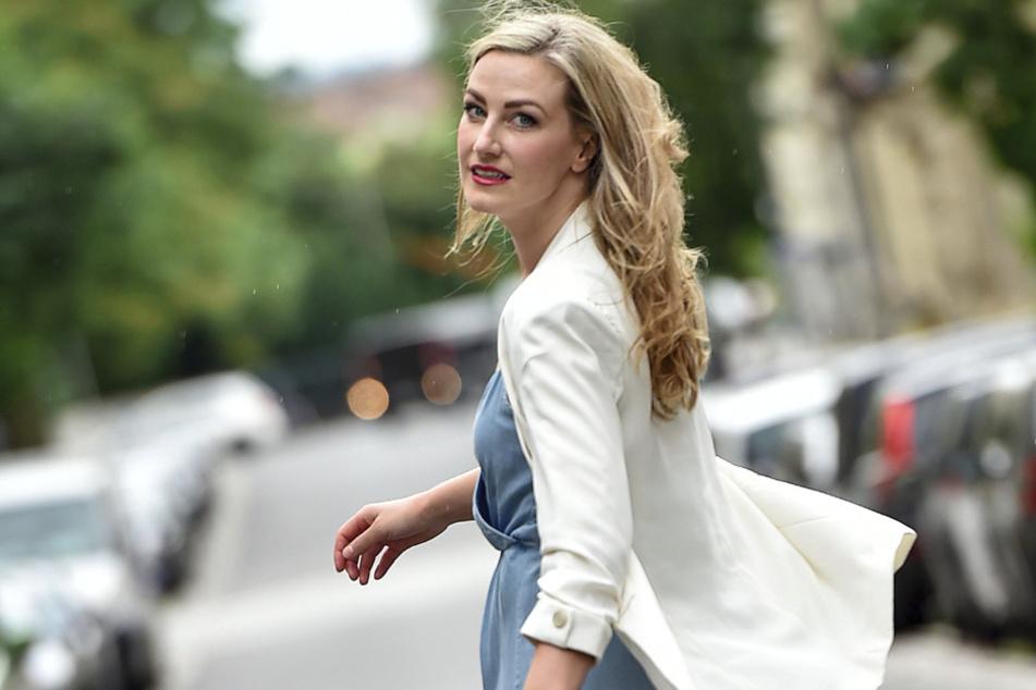 Sandra Maria Huimann (35) kommt aus Österreich. In der Dresdner Neustadt fühlt sich die Schauspielerin aber pudelwohl.