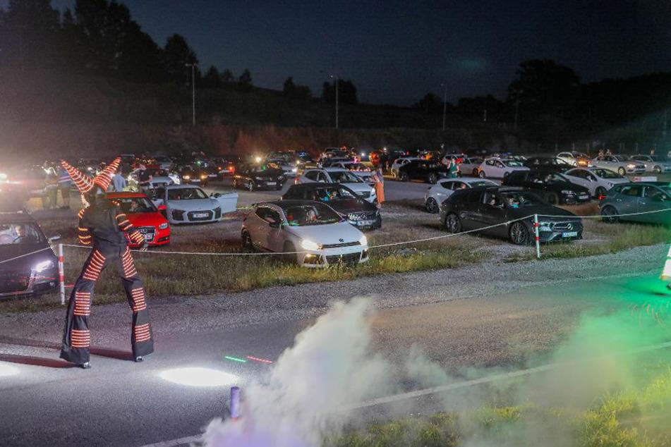 Stimmung, Shisha, Party-Sound: So lief die erste Drive-In-Disco bei Passau