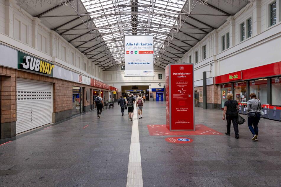 Die Bahnhofshalle hatte vergangenes Jahr einen neuen Anstrich bekommen.