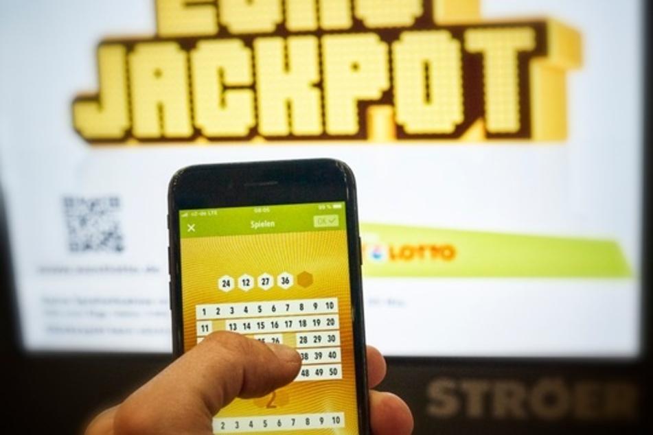 Beim Eurojackpot räumte ein Spieler aus Niedersachsen 61 Millionen Euro ab. (Symbolfoto)