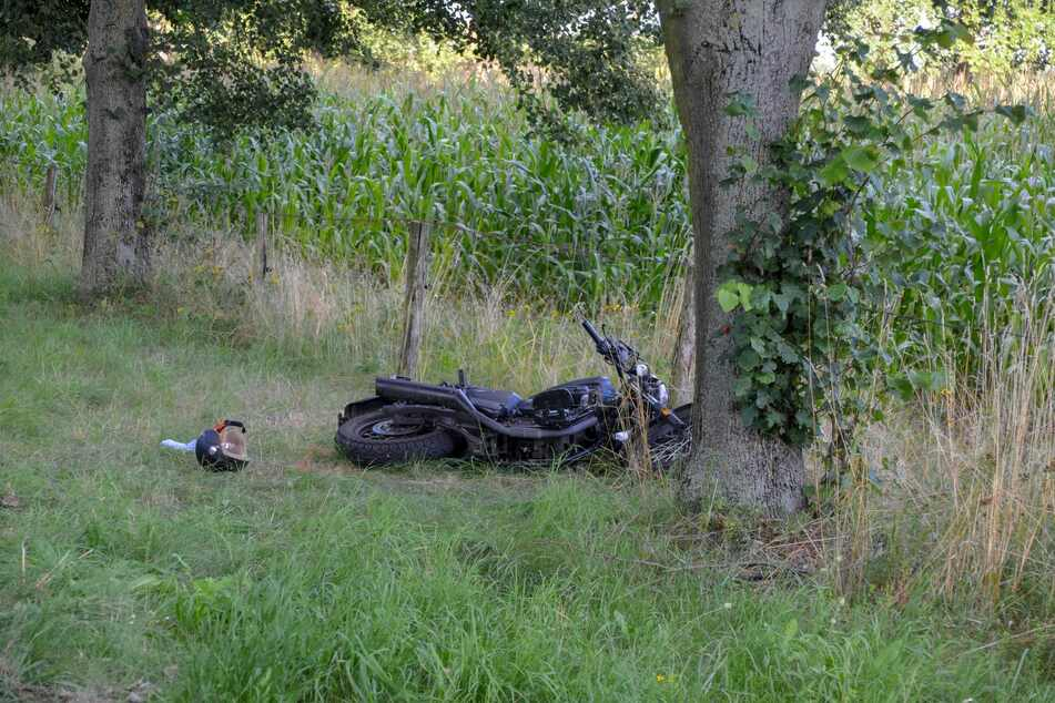 Das Motorrad musste nach dem Unfall abgeschleppt werden.