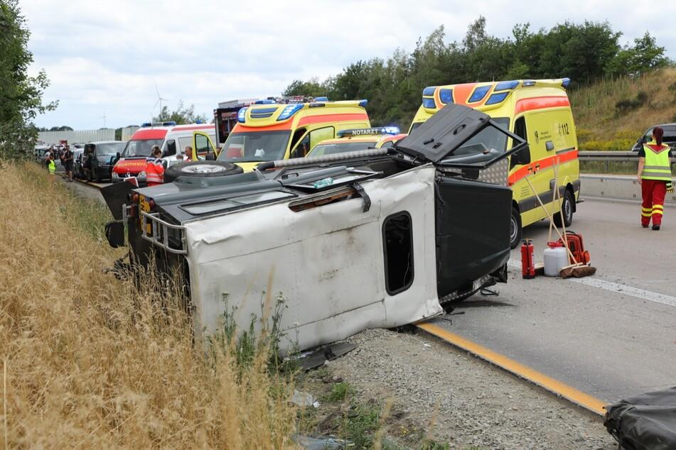 Bei dem Unfall wurden vier Personen verletzt und anschließend ins Krankenhaus eingeliefert.
