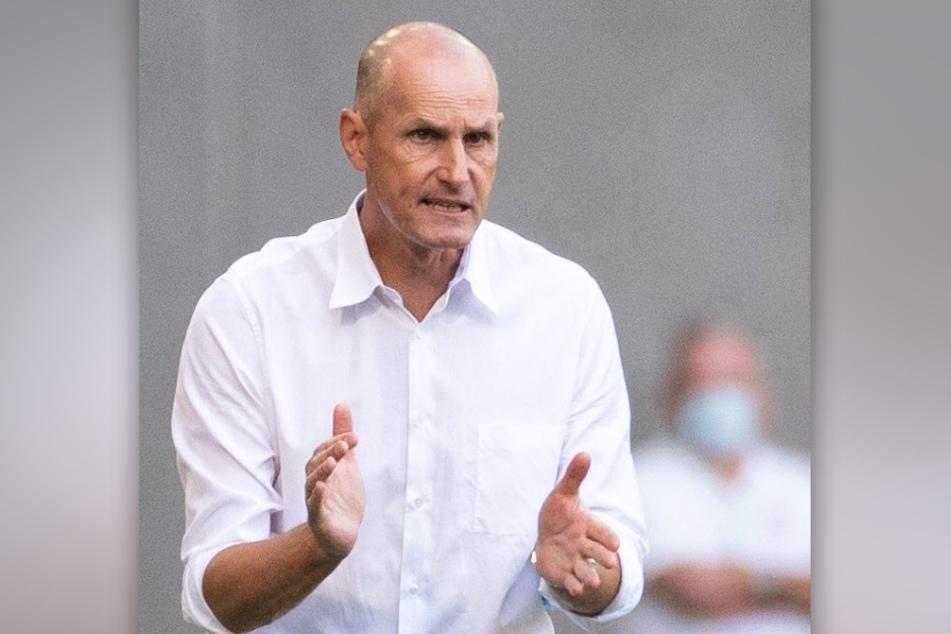 Der Augsburger Trainer Heiko Herrlich (48) blickt trotz seiner skurrilen Trennung ohne Verbitterung auf die Zeit bei Bayer Leverkusen zurück.