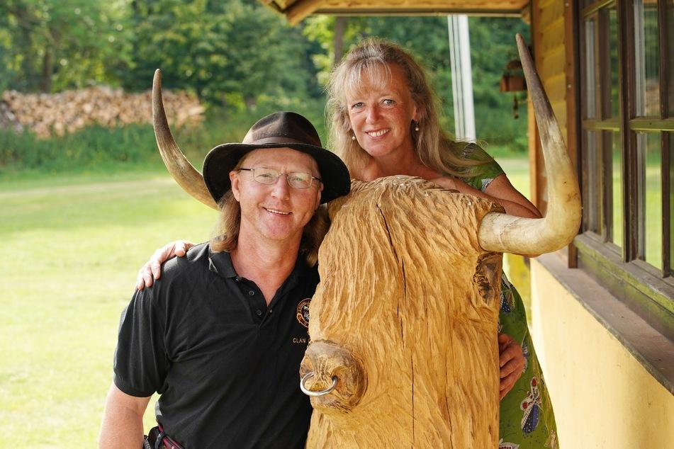 Die Schottland-Fans Lutz (52) und Steffi (54) sind glücklich wie am ersten Tag.