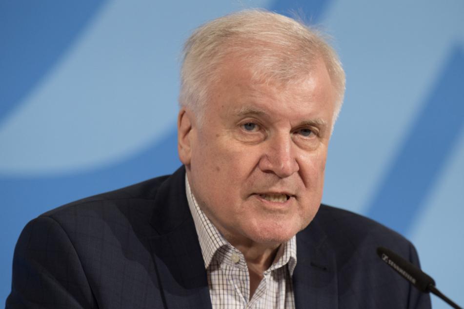 Innenminister Horst Seehofer (70, CSU).