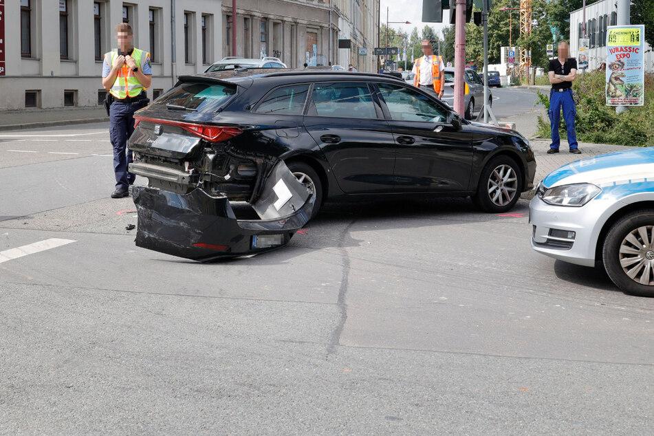 Chemnitz: Kreuzungscrash sorgt für Verkehrsbehinderungen