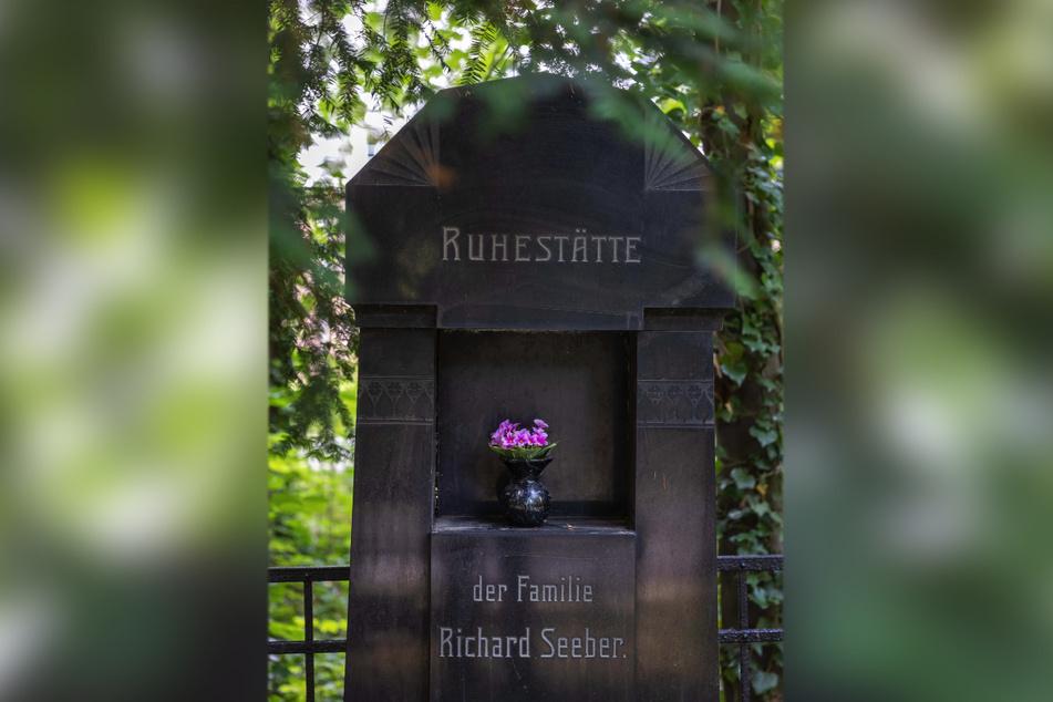 Mike Hähle übernahm eine Patenschaft für das Grab der Familie von Richard Seeber († 1928), der Bruder eines einflussreichen Chemnitzer Fotografen.